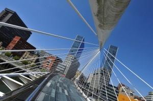 Zubizuri-bridge-Bilbao-ERUS15_990x657